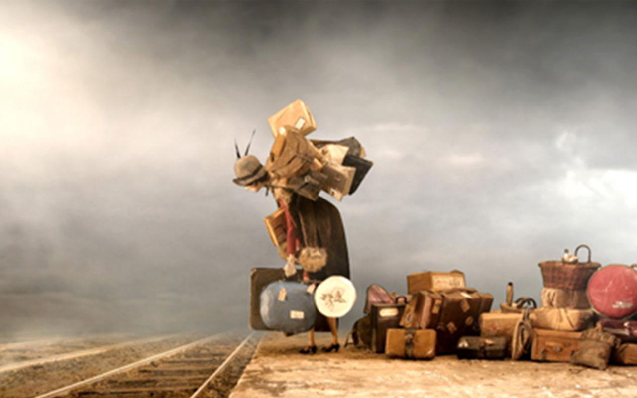 Nadia Themis Blog - Living, thinking, baggage